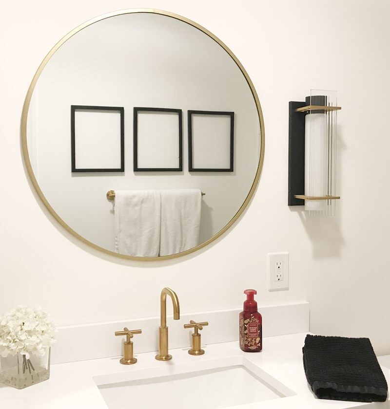 Black And White Bathroom Artwork You Can DIY