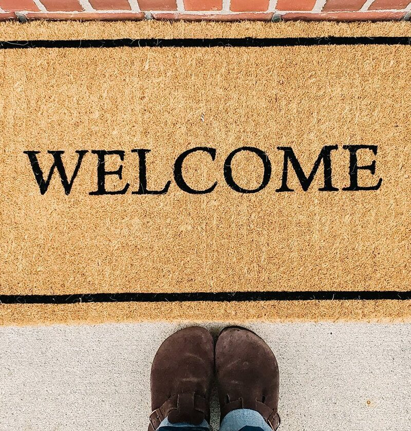 19+ Spring Doormat Ideas To Welcome Guests (That You'll Love Too)